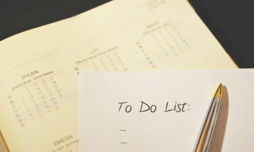 Why making a moving checklist is important?